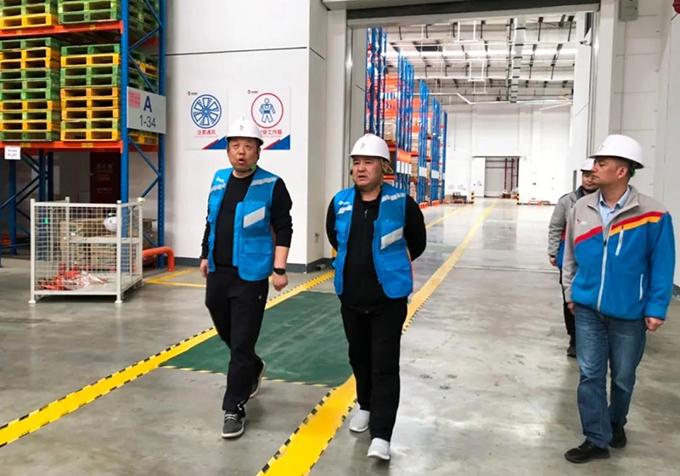 CJ荣庆董事长张玉庆莅临浦东公司视察指导工作